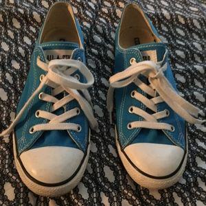 Blue Converse size 9